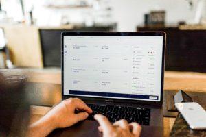 לבנות חנות אינטרנטית לבד ובעלות מינימלית